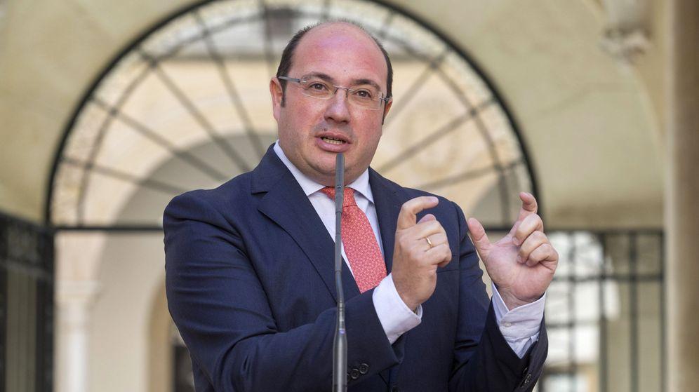 Foto: El presidente de la Comunidad de Murcia, Pedro Antonio Sánchez, durante una rueda de prensa. (EFE)