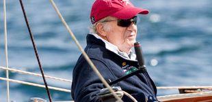 Post de La cazadora de Prada del rey Juan Carlos, subastada por cinco mil euros