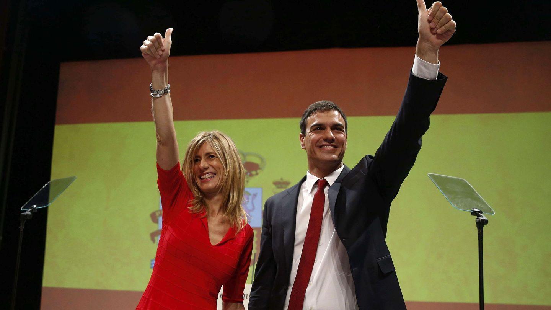 Begoña Gómez y Pedro Sánchez, en 2015, en su debut como candidato. (EFE)