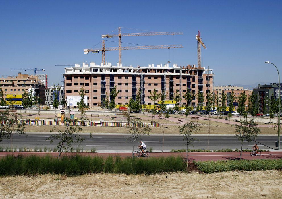 Foto: Un edificio de viviendas en construcción en Madrid (Efe)