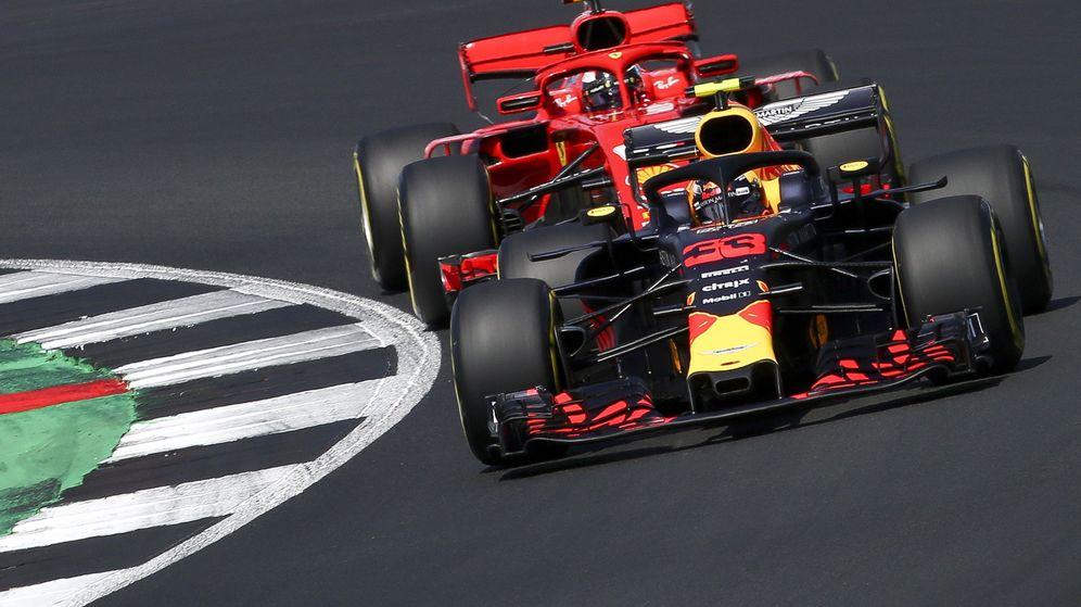Foto: Raikkonen persiguiendo a Verstappen en el GP de Alemania de 2018. (EFE)