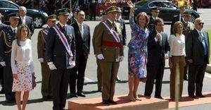 El Rey reaparece ante los ciudadanos en el Día de las Fuerzas Armadas