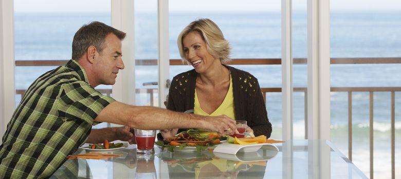 Foto: No sólo es importante lo que comemos, sino también cuándo comemos. (Corbis)