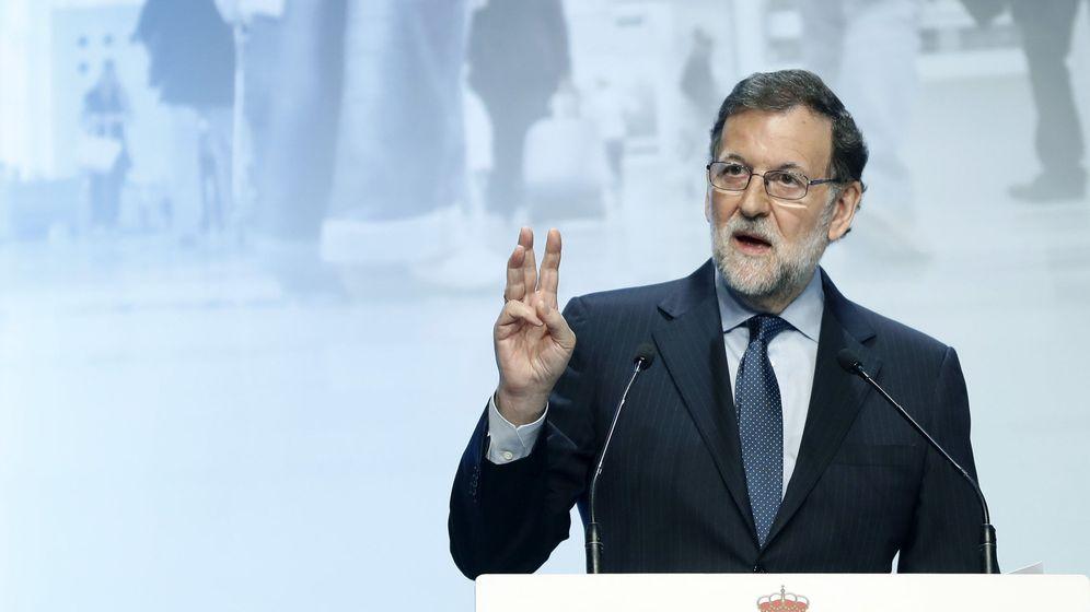 Foto: El presidente del Gobierno, Mariano Rajoy, durante su intervención en la inauguración de la jornada sobre infraestructuras 'Conectados al futuro'. (EFE)