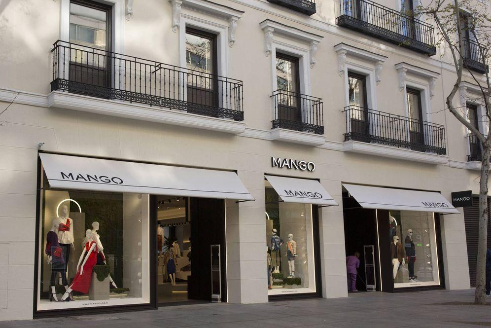 Foto: Nueva tienda de Mango en la madrileña calle Serrano que abre hoy sus puertas al público.