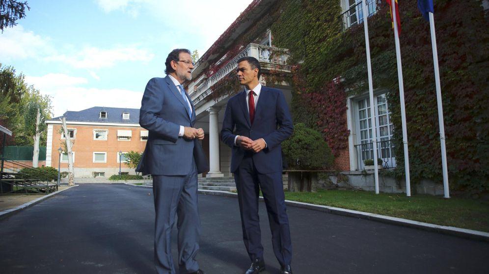 Foto: El presidente del Gobierno, Mariano Rajoy y el secretario general del PSOE, Pedro Sánchez, en su última reunión en La Moncloa el pasado 28 de octubre. (Efe)