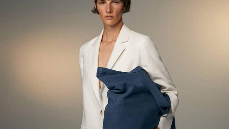 Por menos de 20 euros y en cuatro colores: los nuevos bolsos shopper XXL de Massimo Dutti