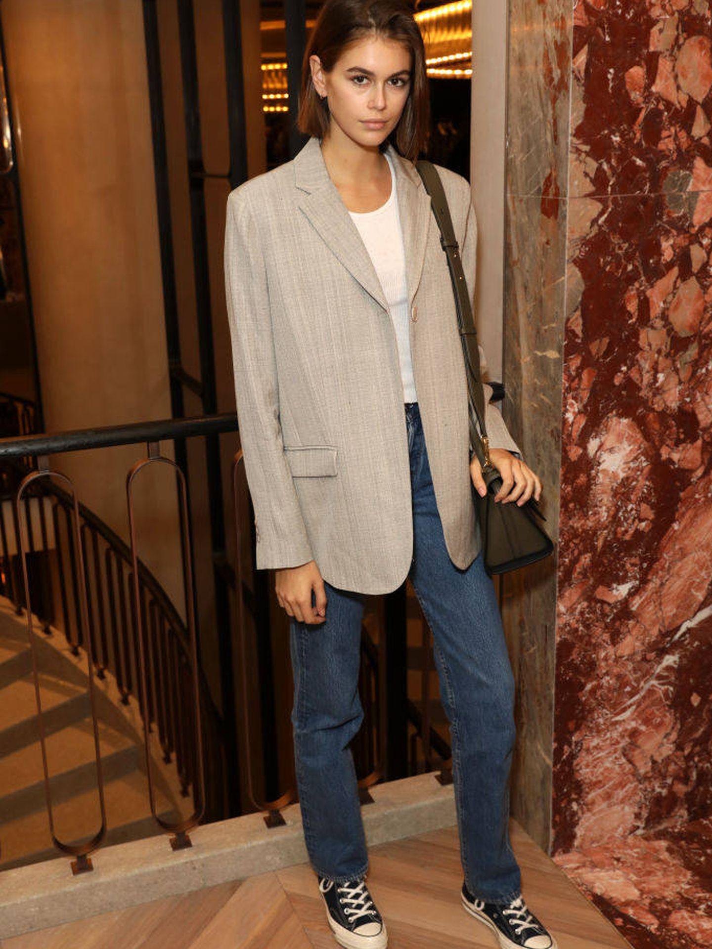 Un look con jeans ideal para ir a la oficina. (Getty)