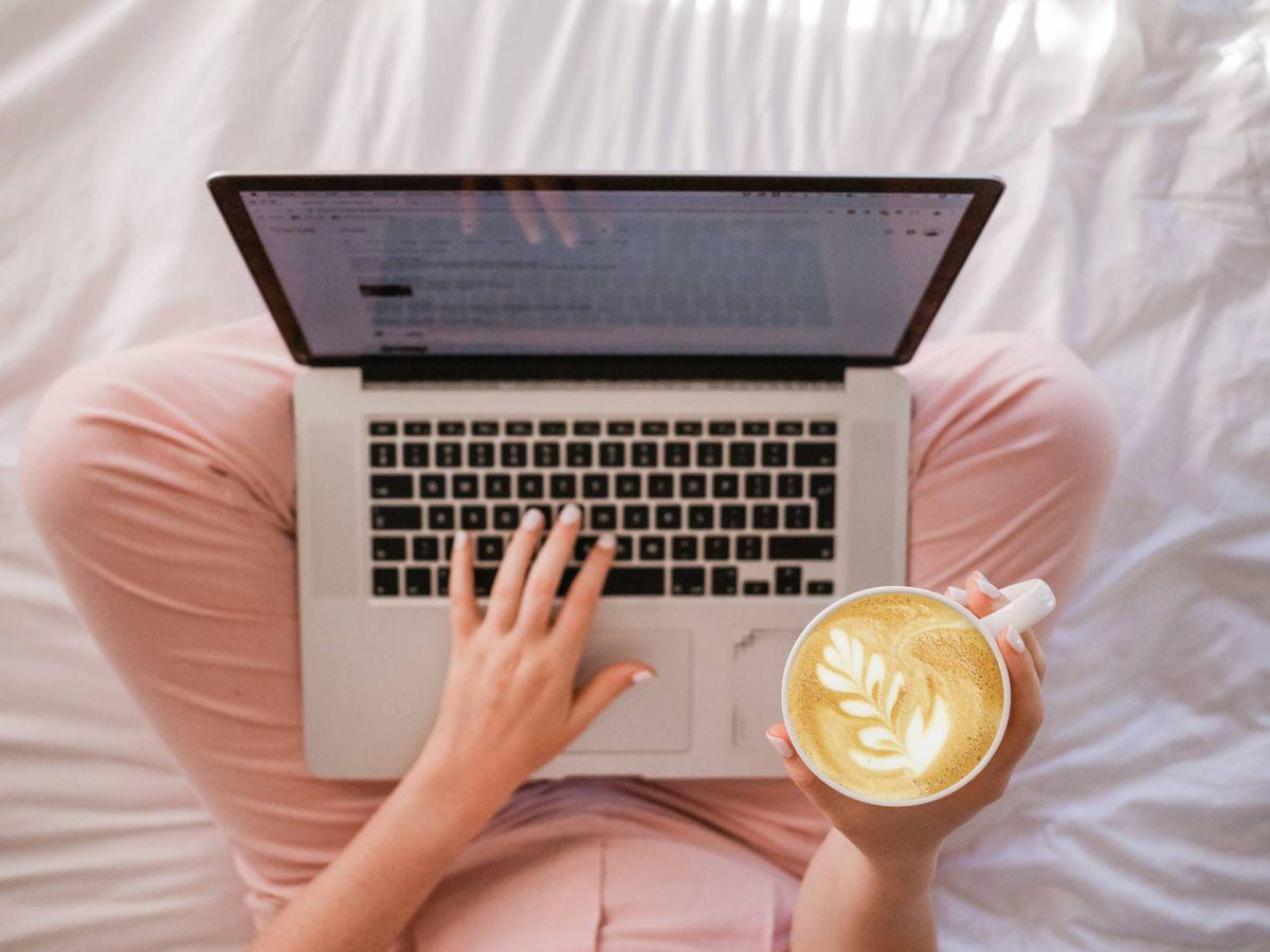Foto: Teletrabajar en la cama no es una opción. (Unsplash)