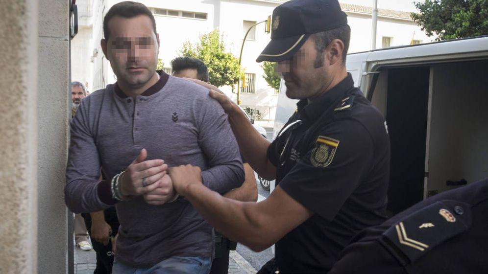 Foto: F. J. M., único acusado del doble crimen de Almonte. (EFE)