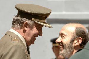 """El Rey destaca la importancia del acuerdo de paz en Irlanda del Norte: """"Hay que intentarlo"""""""