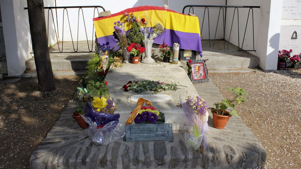 Foto: Fotografía facilitada por la Fundación Antonio Machado (FAM) de Colliure de la tumba del poeta. (EFE)