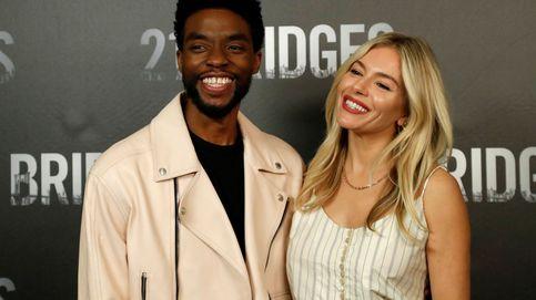 El celebrado gesto de Chadwick Boseman: donó parte de su salario a Siena Miller