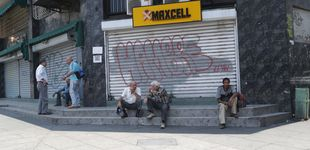 Post de Venezuela sigue a oscuras: sin colegios y sin abastecimiento de comida y gasolina