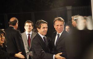 Felipe de día, Aznar de noche: se contraprograman con su libro