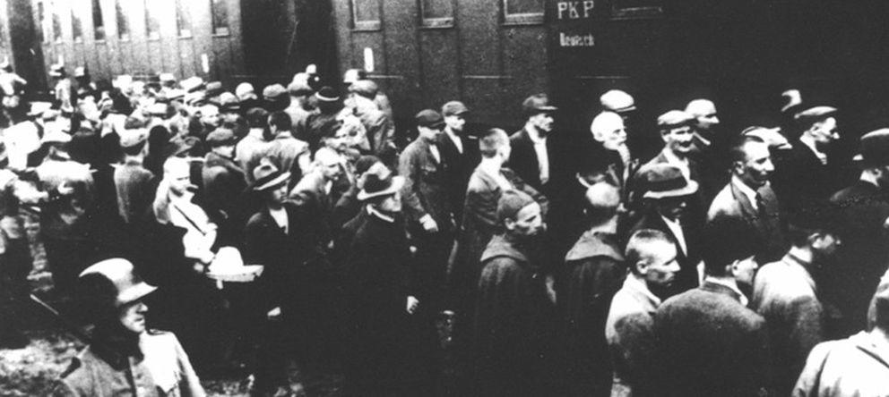 Foto: Primer transporte de prisioneros al campo de concentración de  Auschwitz  (CC)