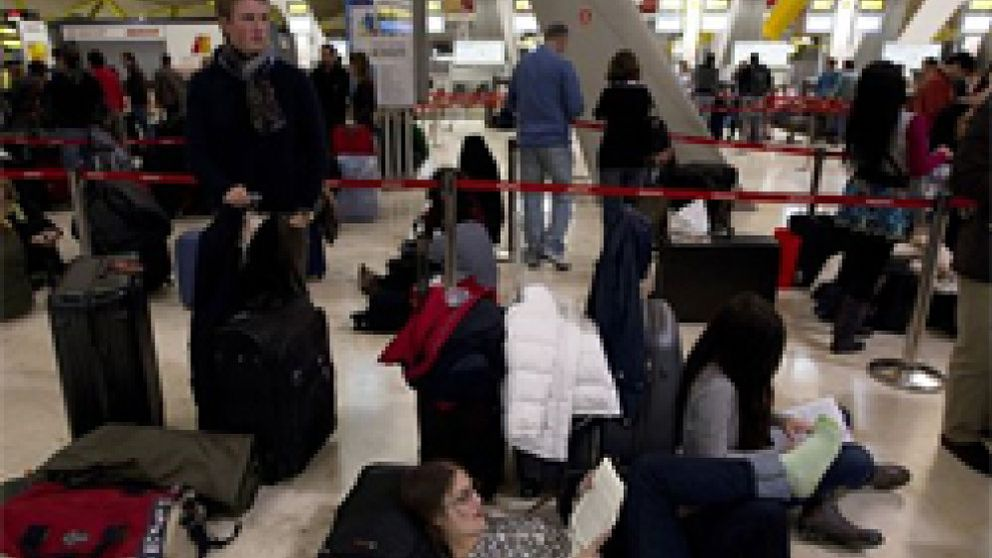 Un total de 2.000 afectados por el caos aéreo se unen para interponer una demanda civil