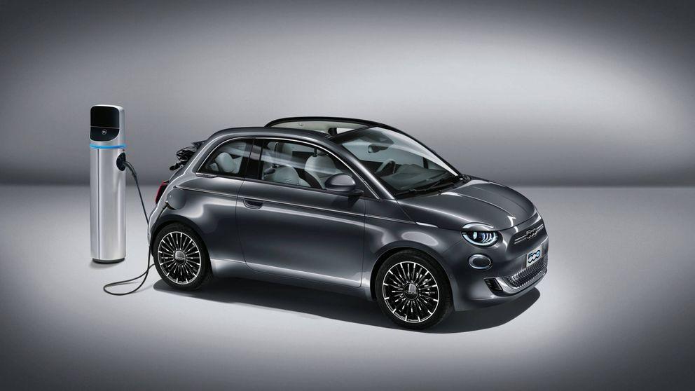 El coche eléctrico que complicará al Smart: así es el Fiat 500 (y sus 320 km de autonomía)