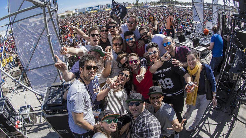 Foto: Los trabajadores de Hawkers, durante un festival en Alicante (Hawkers).