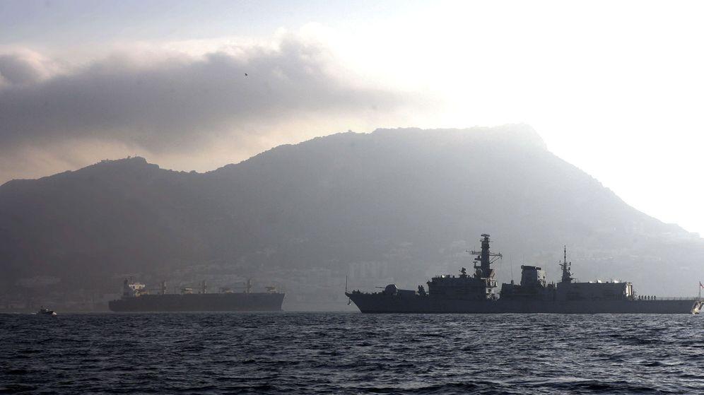 Foto: Gibraltar acusa a España de disparar contra una embarcación que estaba pescando