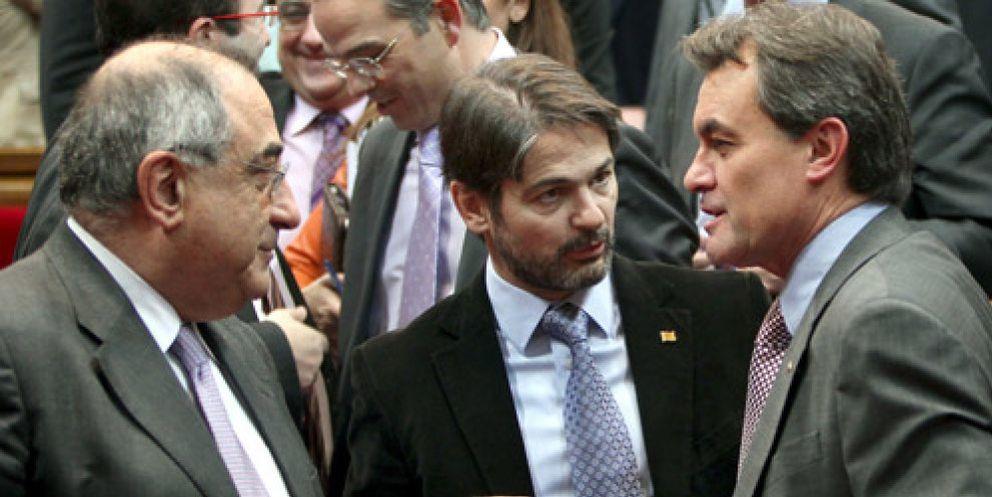 La 'diplomacia' de CiU atrae por fin a PP y PSOE para sacar adelante la 'ley estrella' de Artur Mas