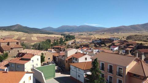 Medio pueblo en cuarentena y sin teléfono para el cribado