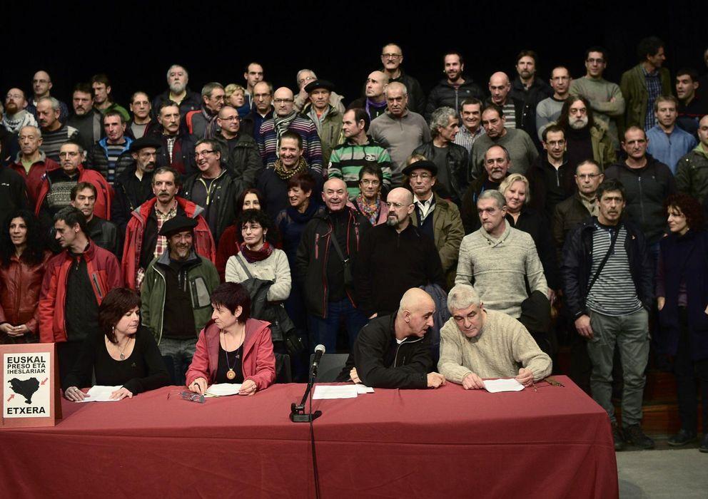 Foto: Foto de grupo del acto del Colectivo de Presos Políticos Vascos (Reuters)