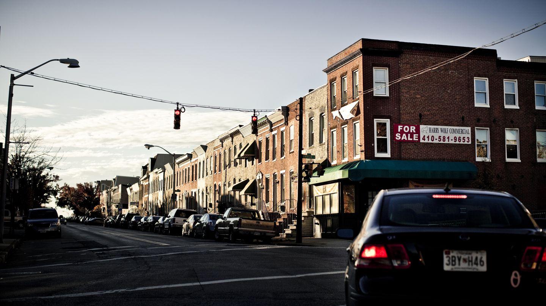 Una hilera de viviendas en las afueras de Baltimore (Corbis).