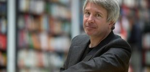 """Post de Éric Vuillard se """"radicaliza"""": más breve, más intenso, más nuclear"""