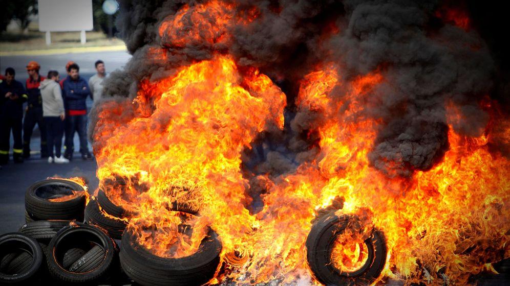 Foto: Protestas en la planta de Alcoa en A Coruña. (EFE)