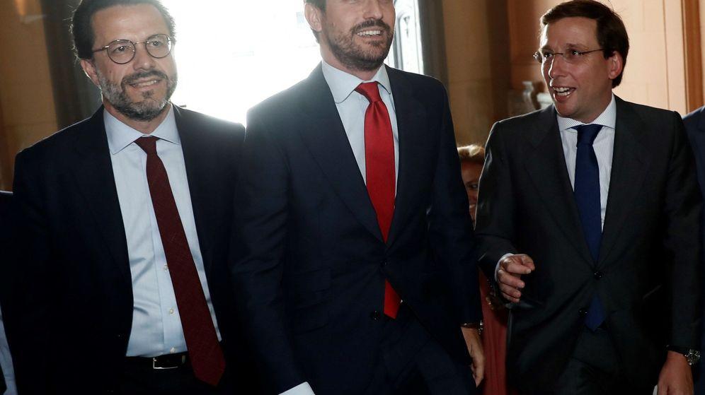 Foto: Pablo Casado, Javier Fernández-Lasquetty y José Luis Martínez- Almeida. (EFE)