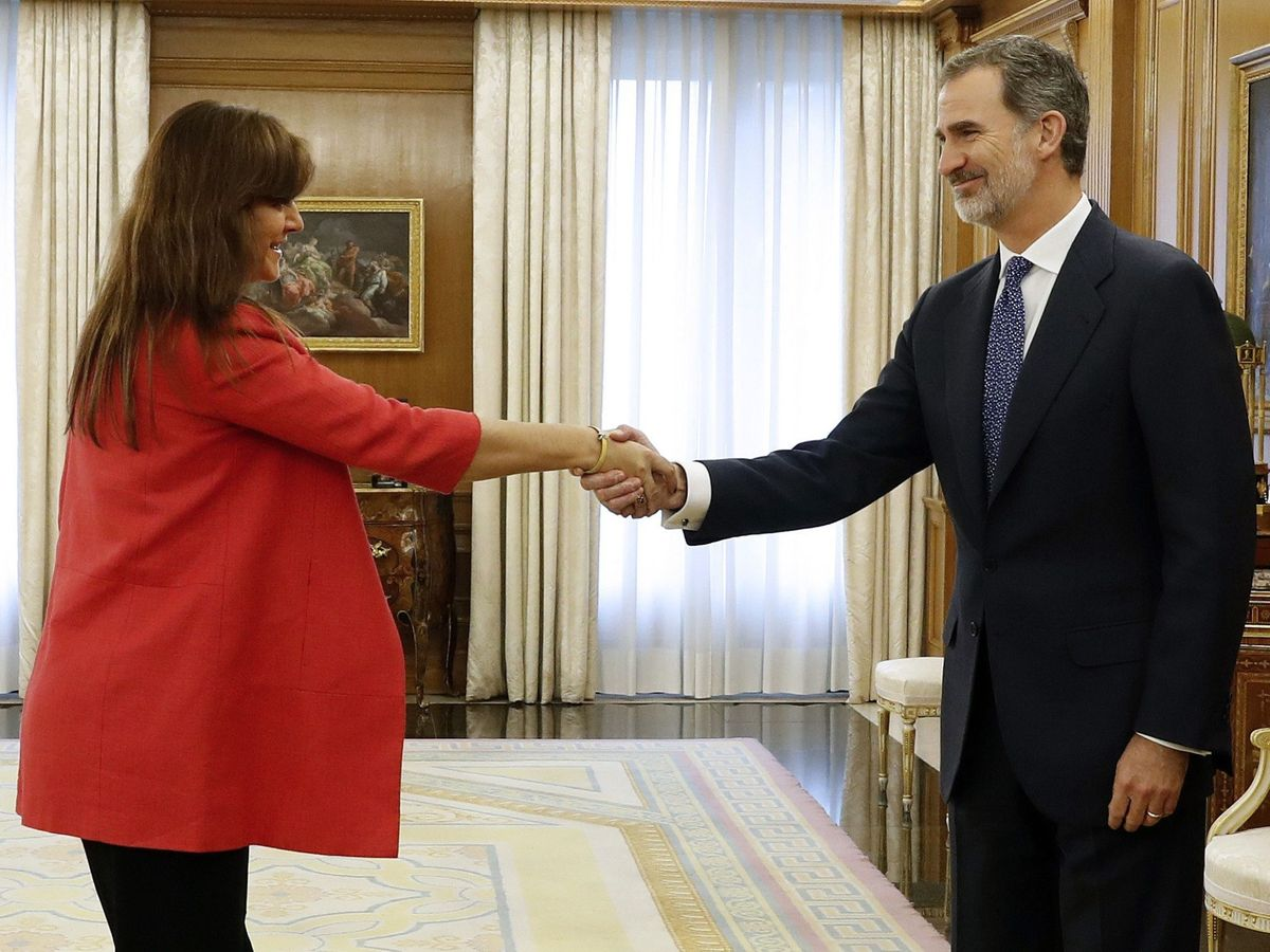 Foto: El rey Felipe VI saluda a Borràs en una audiencia en Zarzuela, en 2019. (EFE)