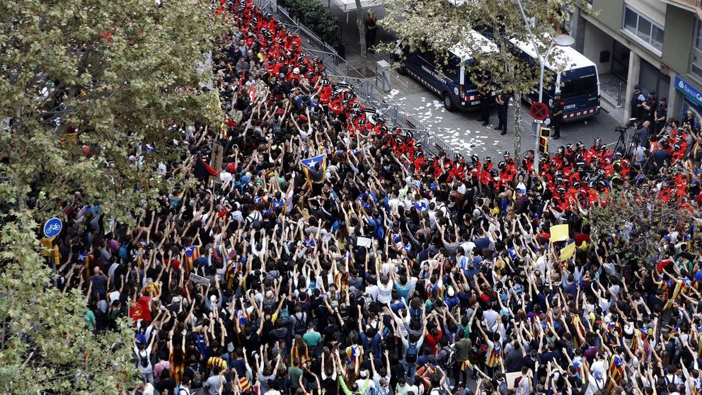 El 3 de octubre, en vídeos: de los piquetes por la huelga a los escraches contra los policías
