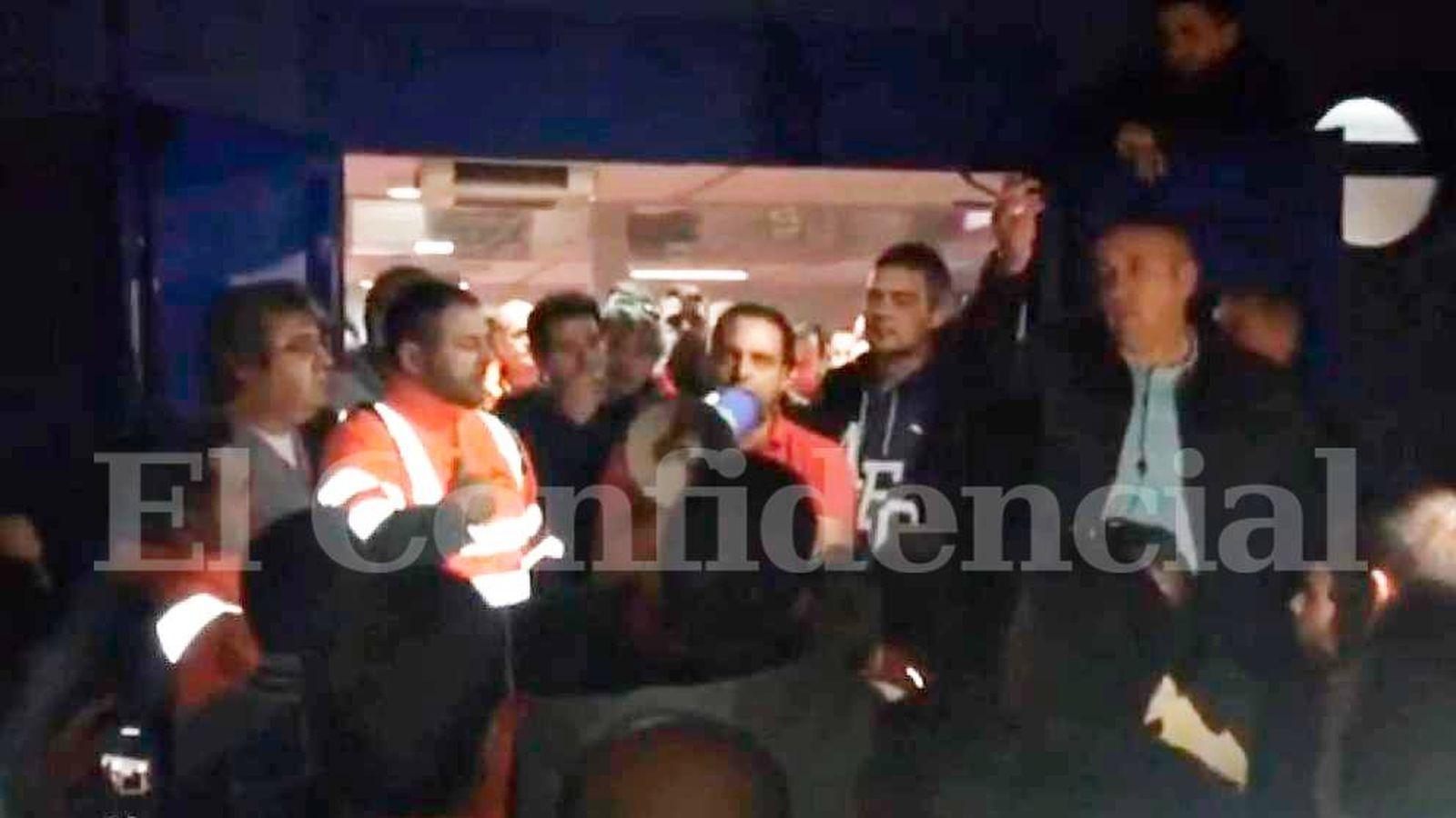 Foto:  Antolín Goya (c), de la Coordinadora Estatal de Trabajadores del Mar, en un momento del vídeo.