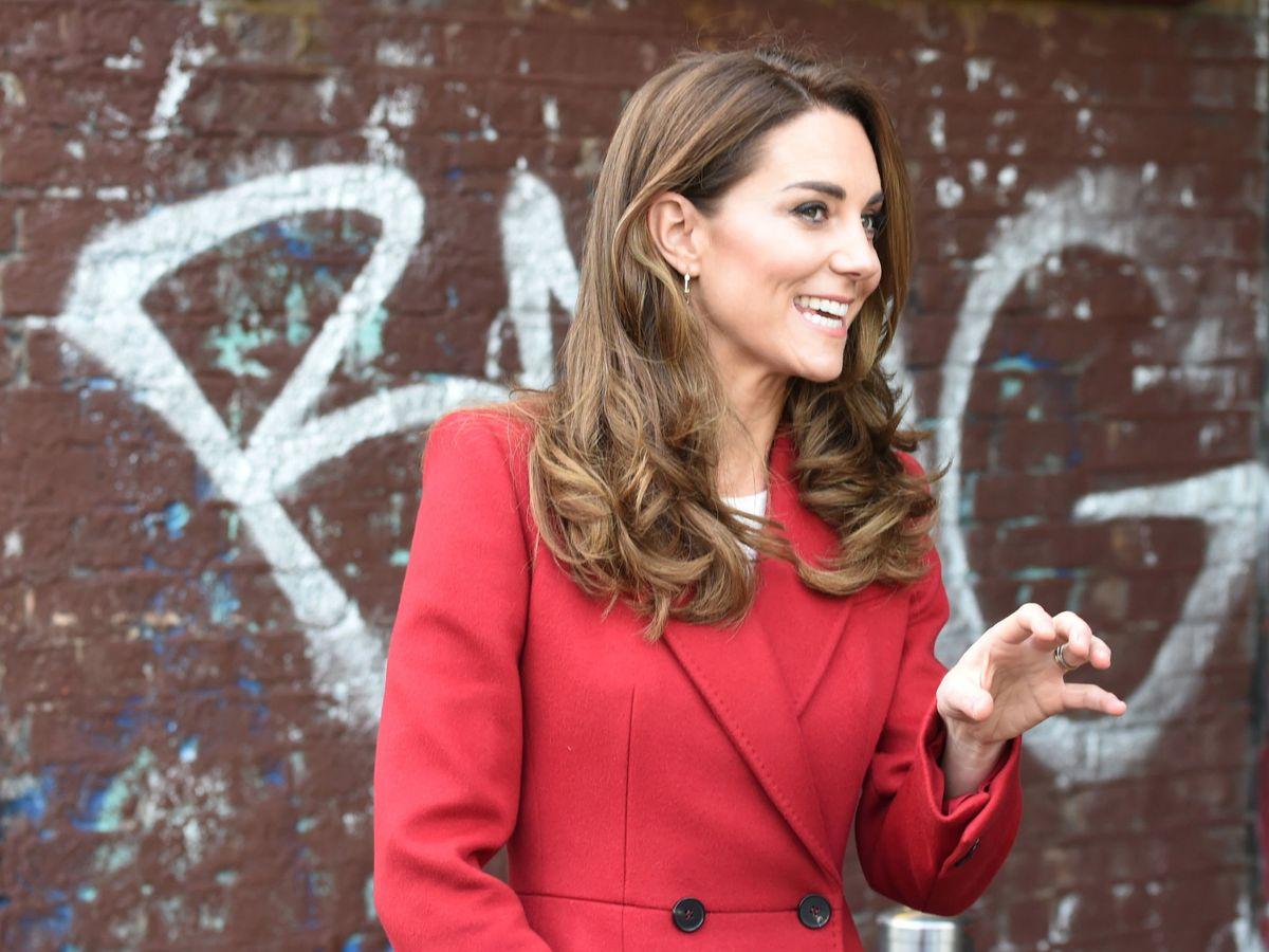 Foto: Kate Middleton y el último abrigo que ha incorporado a su armario. (Reuters)
