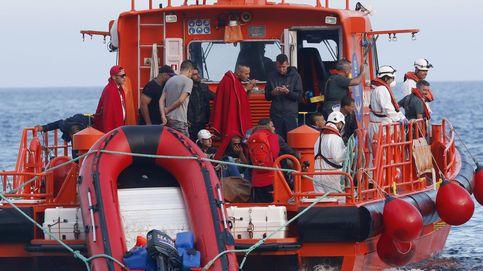 Rescatados 8 menores que cruzaban el Estrecho en una embarcación de juguete