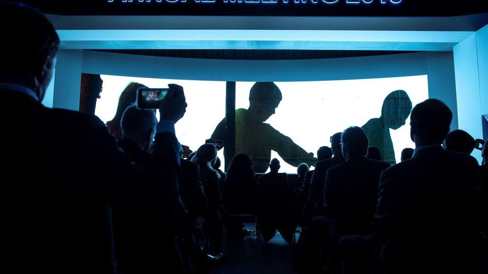 Foto: Asistentes al pleno de clausura del Foro Económico Mundial de Davos, el 25 de enero de 2019. (EFE)