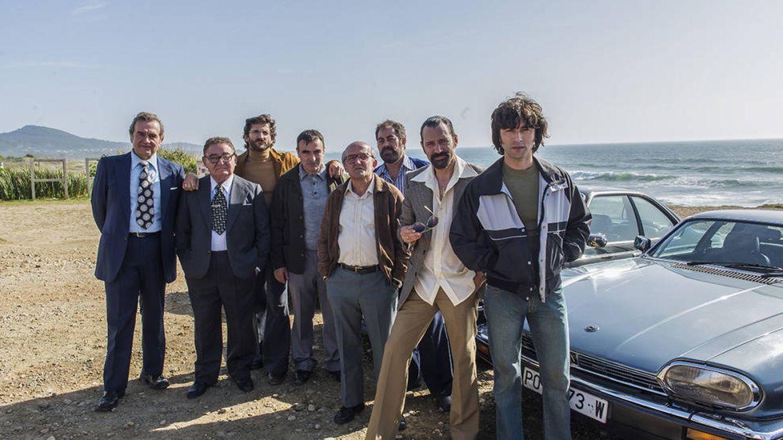 Parte del elenco de la serie en la praia das Furnas. (Antena 3)