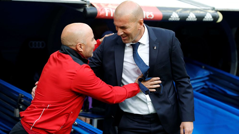 Foto: Jorge Sampaoli saluda a Zidane antes del Real Madrid-Sevilla. (EFE)