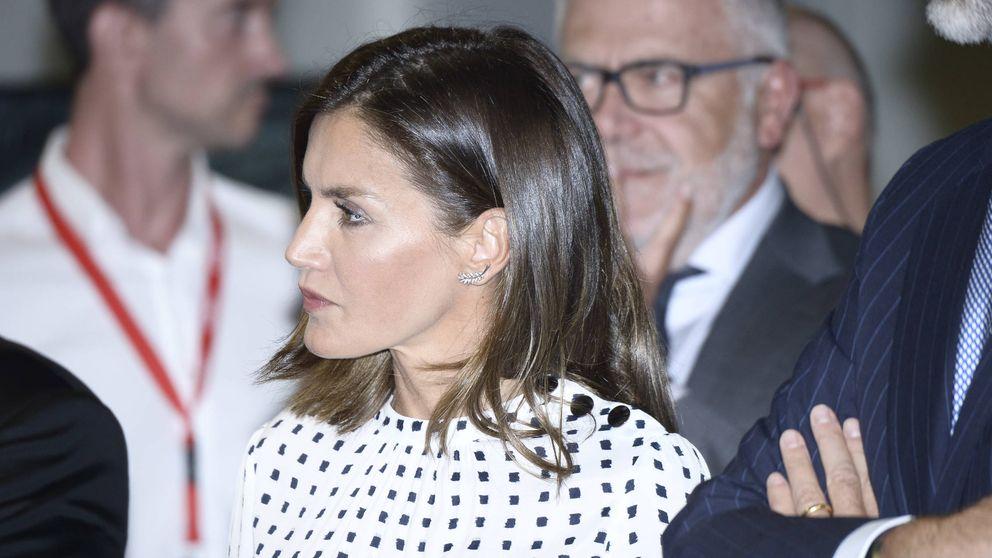 El 'accidentado' estreno de la reina Letizia en Salamanca
