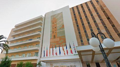 Dos turistas mueren en Ibiza tras caer desde el cuarto piso de su hotel