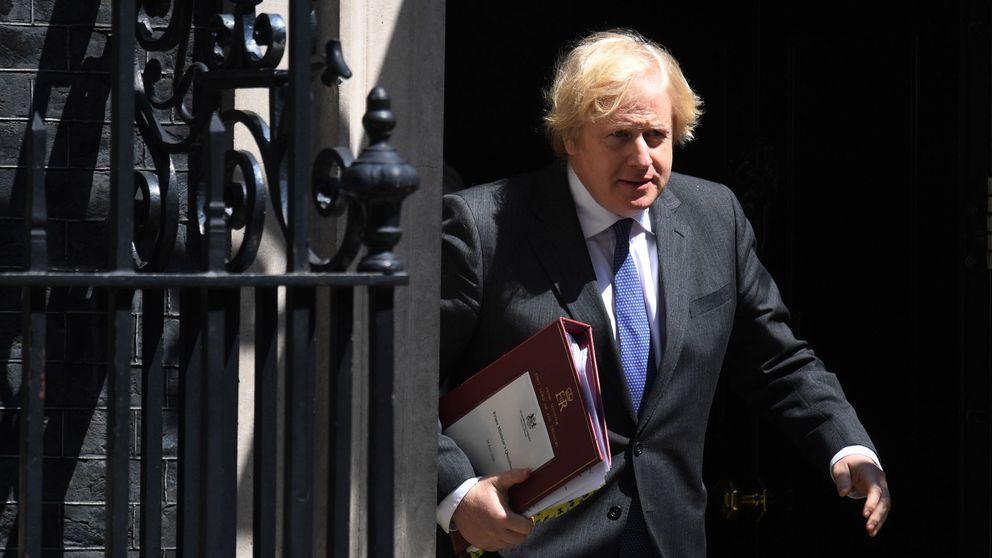 Los sanitarios de UK ponen en duda los test de covid de Johnson: No indican inmunidad