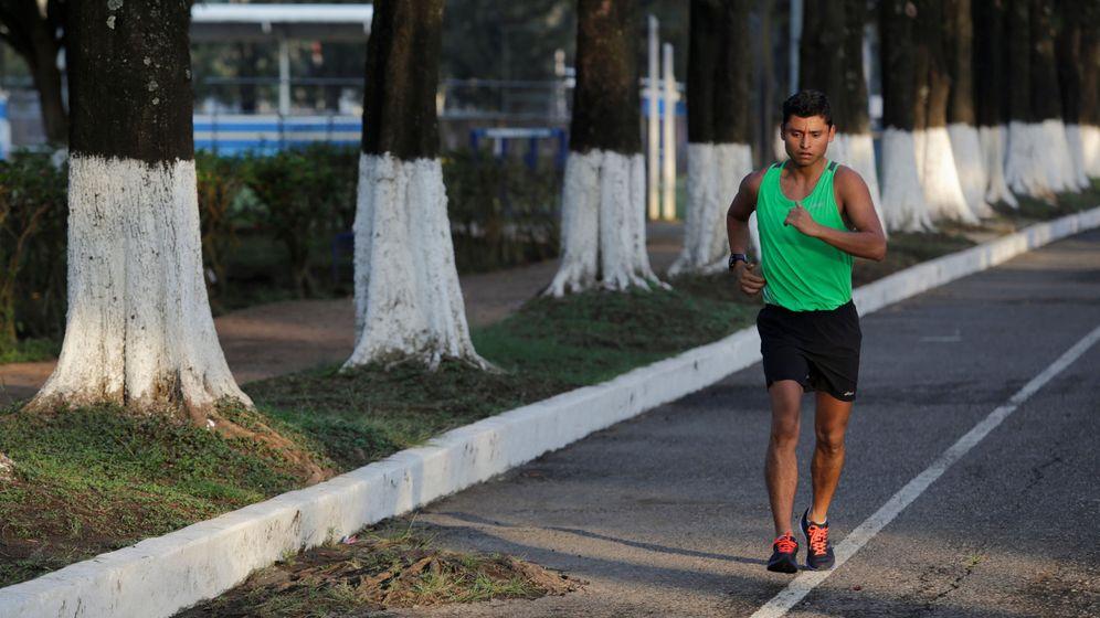 Foto: El marchador guatemalteco Erick Barrondo durante un entrenamiento (Reuters)