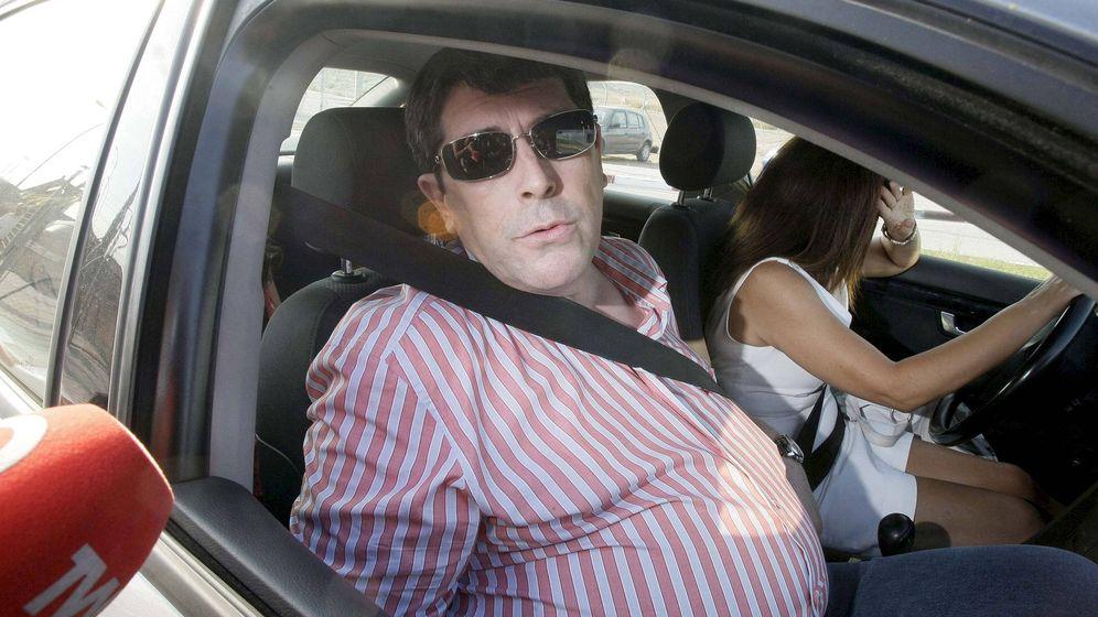 Foto: El exalcalde de Polop y acusado de asesinato, Juan Cano, cuando salió de prision previa fianza. (EFE)