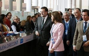 """Rajoy promete """"bajadas sucesivas de impuestos"""" a partir de 2015"""
