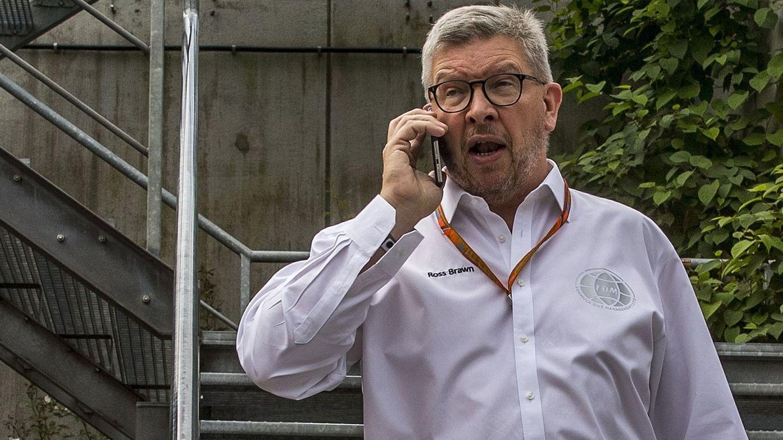 Ross Brawn trabaja a contrarreloj para conseguir que la F1 ofrezca un mayor espectáculo esta temporada. (EFE)