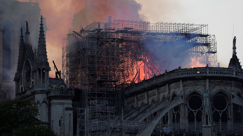 Catástrofe en Notre-Dame: arde el corazón de Francia
