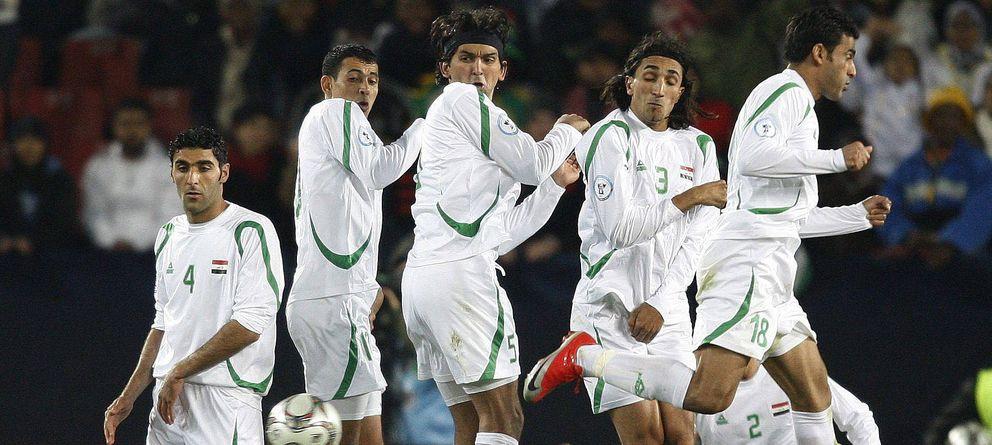 Foto: La selección de Irak, durante un partido de fútbol.