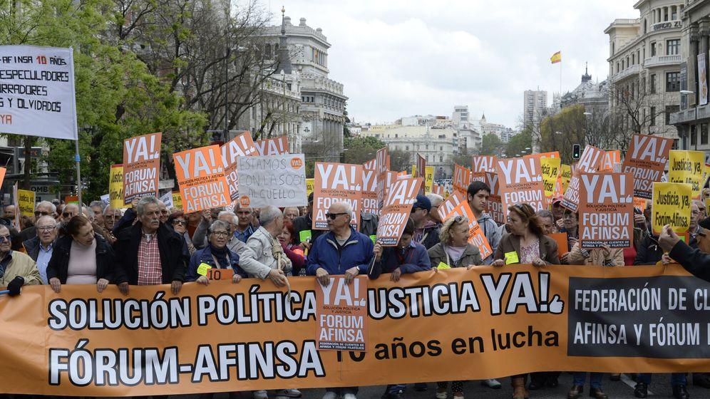 Foto: Manifestación de clientes de Afinsa y Fórum hace un año en Madrid. (EFE)
