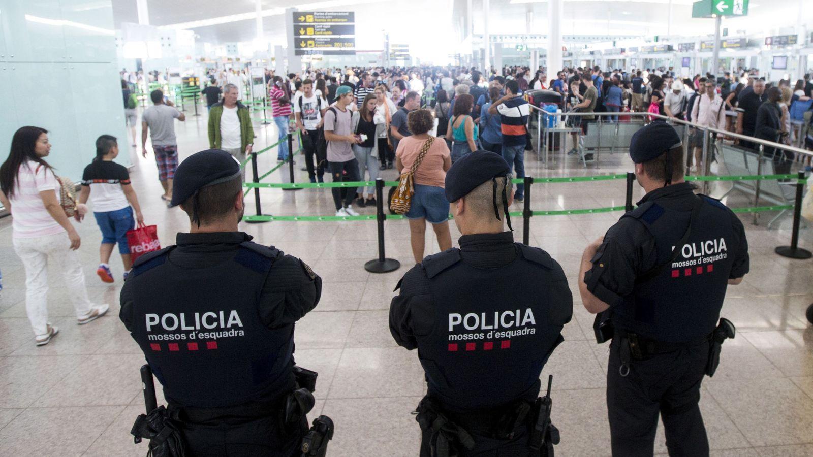 Foto: El Gobierno confía en que el laudo pondrá fin al conflicto en El Prat. (EFE)